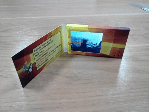 "Visitcard 2,4"" skærm"
